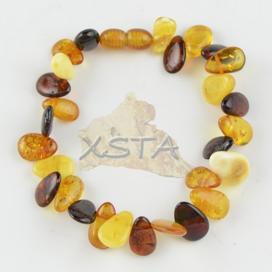 Mix drop shaped amber bracelet with clasp