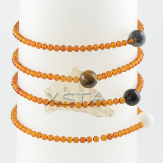 Amber bracelet with gemstone round beads