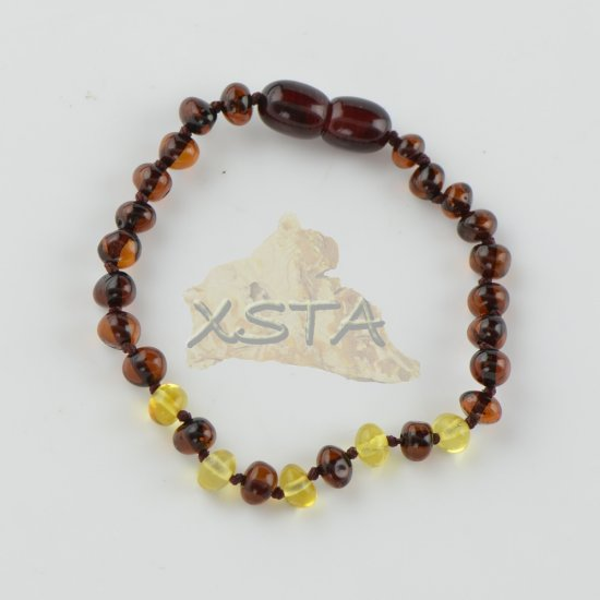 Amber teething bracelet with polished amber beads