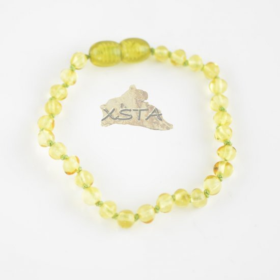 Lemon baroque beads bracelet with knots and clasp