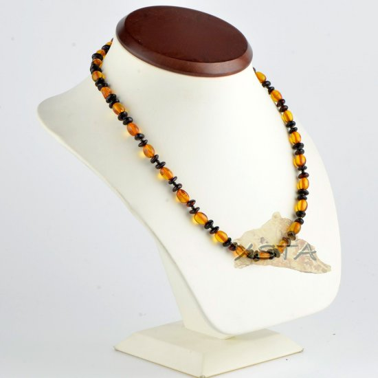 Mix of olive and flat baroque necklace