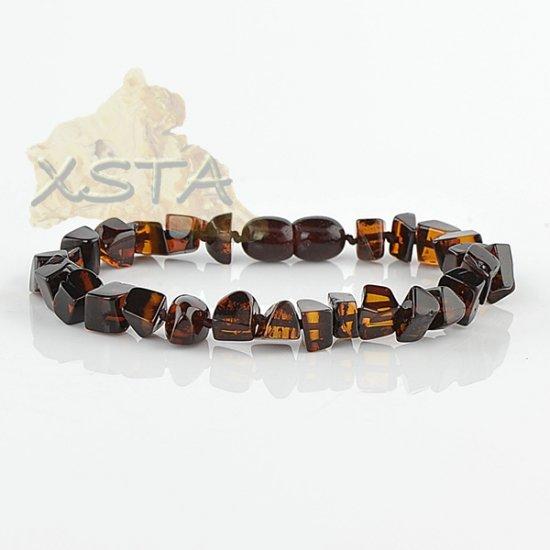 Amber cherry bracelet with screw clasp